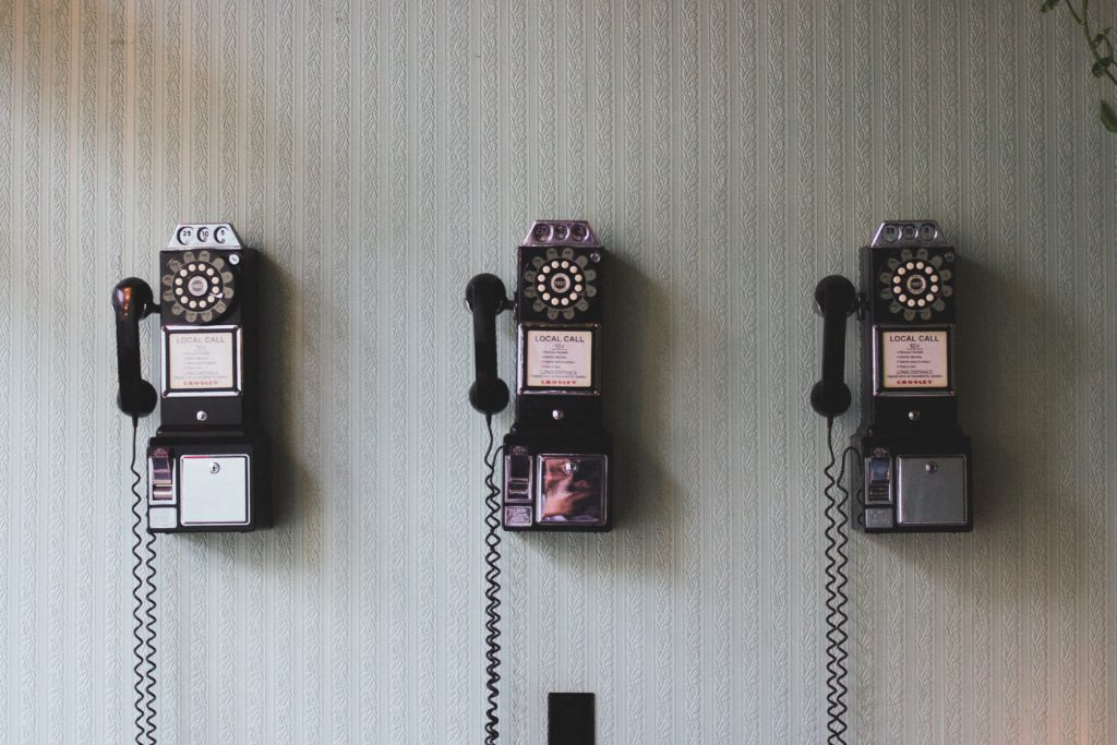 old-phones-telephones